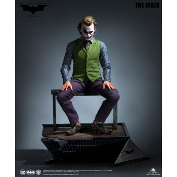 Batman The Dark Knight Joker 1/3 Scale Statue Regular Version (Sculpted Hair)