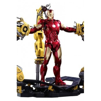 Iron Man 2 Diecast Movie Masterpiece Action Figure 1/6 Iron Man Mark IV and Suit-up Gantry 32 cm