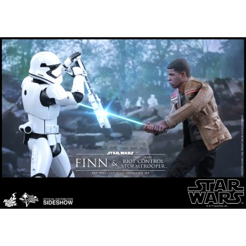 Star Wars Episode VII MMS Action Figure 2-Pack 1/6 Finn and First Order Riot Control Stormtrooper 30 cm