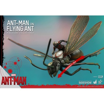 Ant-Man Ant-Man on Flying Ant MMS Compact Figure 10 cm