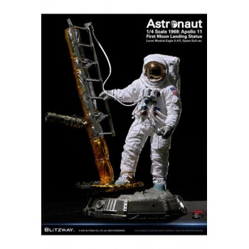 The Real: Astronaut Apollo 11 LM-5 A7L First Moon Landing 1:4 Scale Statue 79 cm