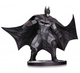 Batman Black and White Statue Arkham Origins 16 cm