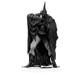 Batman Black and White Statue Batman by Kelley Jones New Edition 20 cm