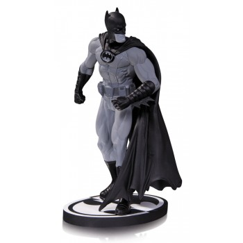 Batman Black and White Statue Gary Frank 22 cm