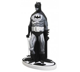 Batman Black and White Statue Mike Mignola Variant 19 cm