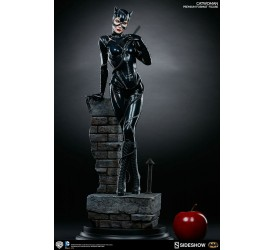 Batman Returns Premium Format Figure 1/4 Catwoman (Michelle Pfeiffer) 56 cm