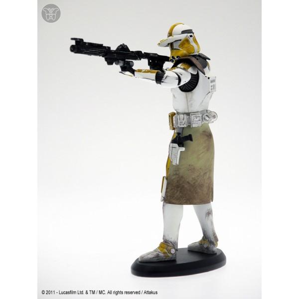 Commander Bly Gunning Down Jedi Fugitives 19cm