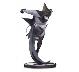 Batman Black & White Statue White Knight Batman by Sean Murphy 21 cm