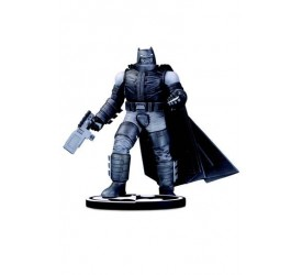 Batman Black and White Statue Batman by Frank Miller 18 cm