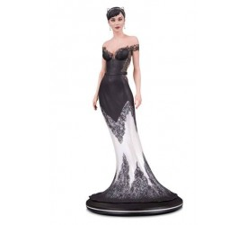DC Cover Girls Statue Catwoman Wedding Dress by Joelle Jones 26 cm