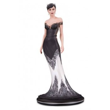 DC Cover Girls Statue Catwoman Wedding Dress by Joelle Jones 26 cm
