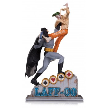 DC Batman vs the Joker Laff CO Battle Statue