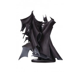 Batman Black & White Statue Batman by Todd McFarlane 24 cm