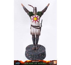 Dark Souls Statue Solaire of Astora 46 cm