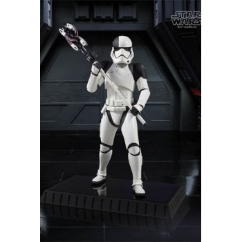 Star Wars Episode VIII Statue 1/6 Executioner Trooper 28 cm