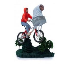 E.T. the Extra-Terrestrial Art Scale Statue 1/10 E.T. and Elliot 24 cm