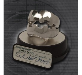 James Bond Replica 1/1 Jaws Teeth Signature Edition