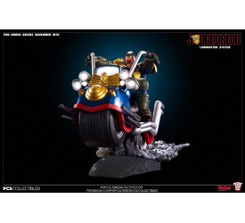 Judge Dredd on Lawmaster Statue 61 cm
