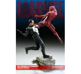 Marvel Diorama The Punisher vs. Daredevil Modern Version 42 cm