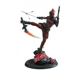 Marvel Comics Premium Format Figure Lady Deadpool 56 cm
