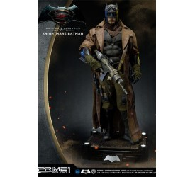 Batman v Superman Dawn of Justice 1/2 Statue Knightmare Batman 109 cm