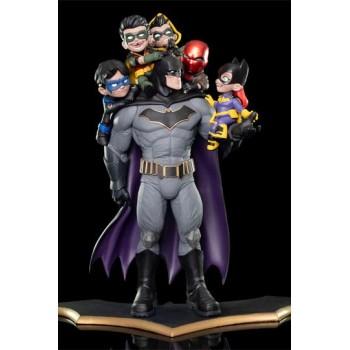 DC Comics Q-Master Diorama Batman: Family 39 cm
