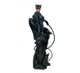 DC Comics Premium Format Figure Catwoman 56 cm Reproduction