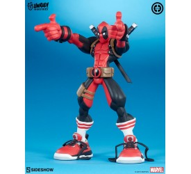 Marvel: Super Heroes in Sneakers Deadpool Wade Vinyl Figure