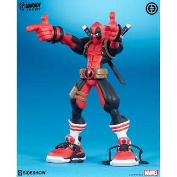 Marvel: Super Heroes in Sneakers Deadpool Wade Vinyl Figure