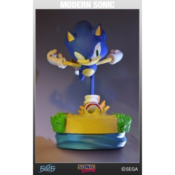 Sonic the Hedgehog Modern Sonic Statue 15 inches
