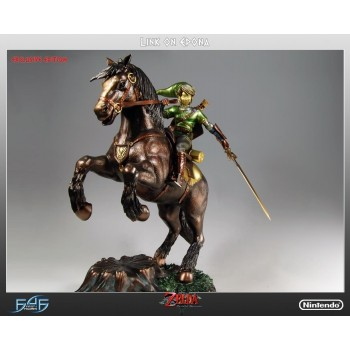The Legend of Zelda Twilight Princess Link on Epona Statue Exclusive