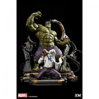 Marvel Premium Collectibles Series Statue Hulk Transformation